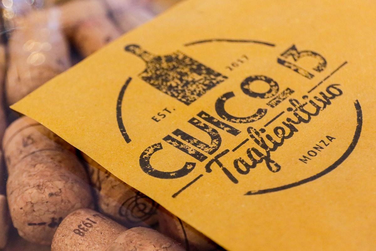 Civico 13 Taglieritivo a monza, partecipa al menu con vini in abbonamento al Monza Wine Experience